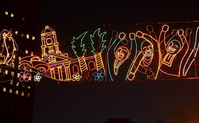 Cape Town Mayor De Lille tests the festive lights